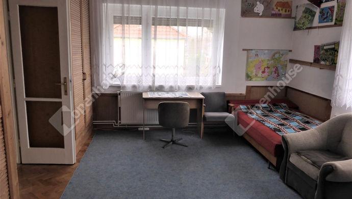 8. kép | 1 emeleti szoba | Eladó Családi ház, Szombathely (#143559)