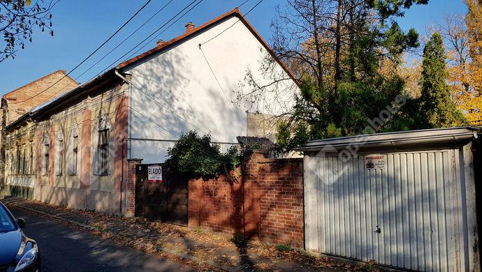 8. kép | külső utcakép, Reményi Ede utca | Eladó Családi ház, Miskolc (#134809)