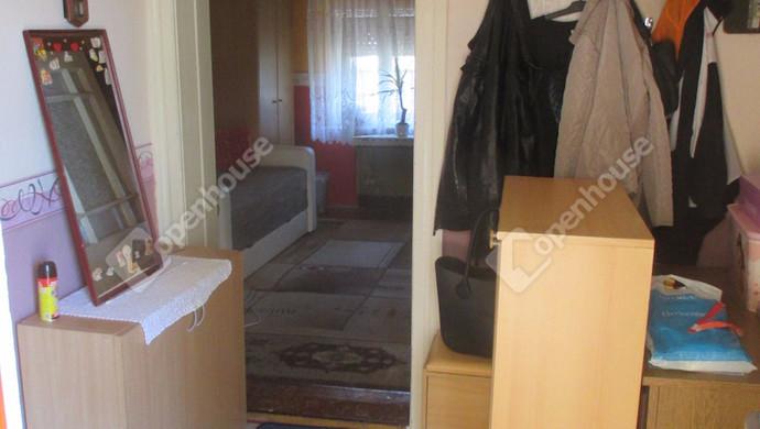 2. kép | Előszoba | Eladó Családi ház, Szolnok (#124815)