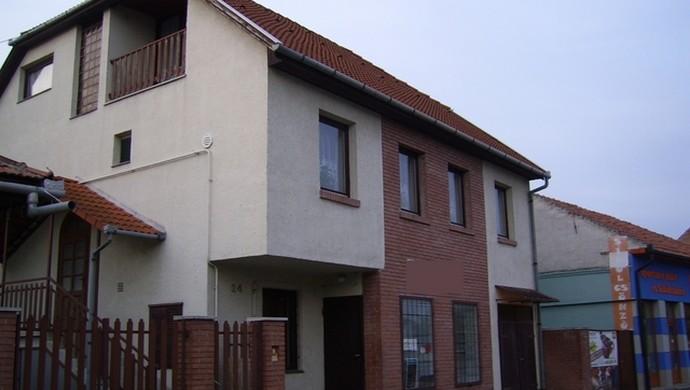 15. kép | Jászberény családi ház utcai nézet | Eladó Családi ház, Jászberény (#79244)