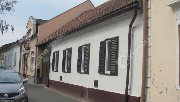 27. kép | Utcai nézet | Eladó Családi ház, Zalaegerszeg (#142884)