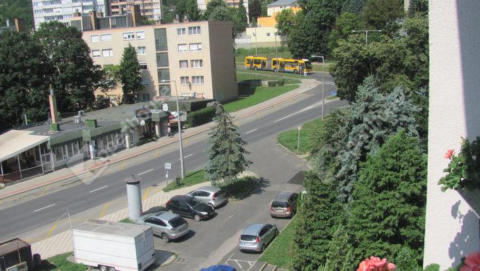 17. kép | Parkoló | Eladó Társasházi lakás, Zalaegerszeg (#140563)
