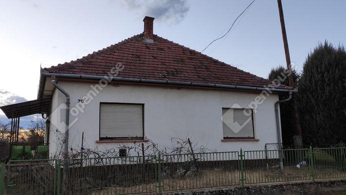0. kép | Utcai nézet | Eladó Családi ház, Petrikeresztúr (#144758)