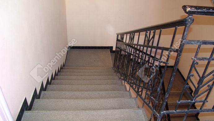 7. kép | Lépcsőház | Eladó Társasházi lakás, Szeged (#141565)