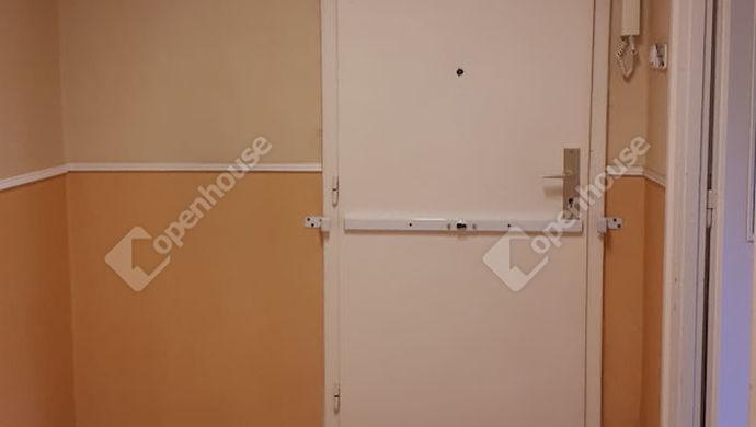 7. kép | Bejárat | Eladó Társasházi lakás, Tatabánya (#134818)