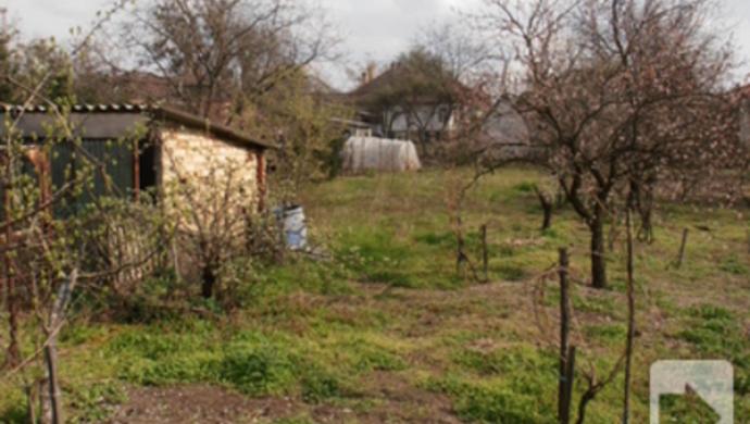 10. kép | Kert | Eladó Családi ház, Tata (#73820)
