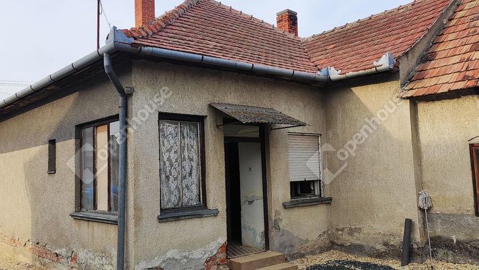 1. kép   Udvari nézet   Eladó Családi ház, Salomvár (#145820)