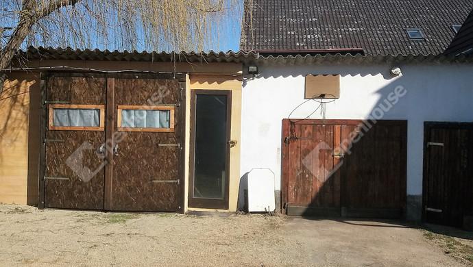 9. kép | garázsok | Eladó Családi ház, Sárvár (#129094)
