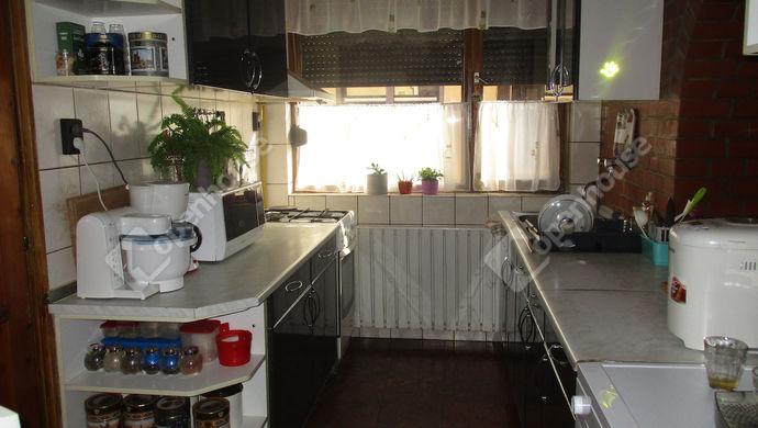7. kép | konyha | Eladó Családi ház, Szolnok (#134456)