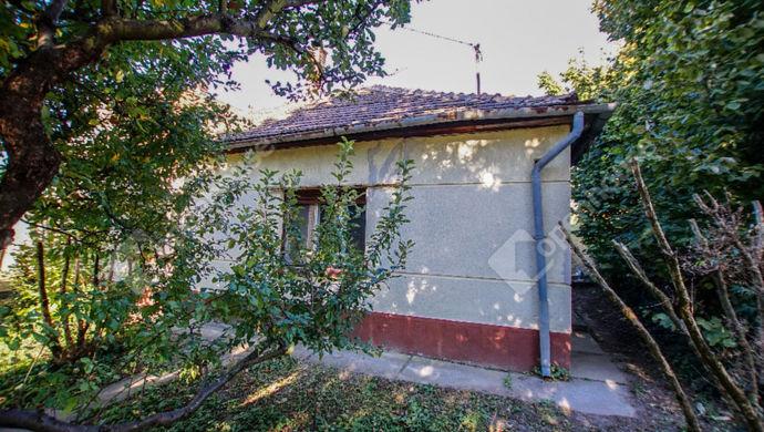 1. kép | Eladó építési telek, bontandó családi ház Székesfehérvár, Sasvári utca | Eladó Családi ház, Székesfehérvár (#133891)
