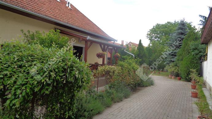 10. kép   udvar   Eladó Családi ház, Békés (#146271)