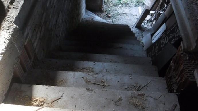 12. kép | Lépcsőház | Eladó Családi ház, Tata (#106618)