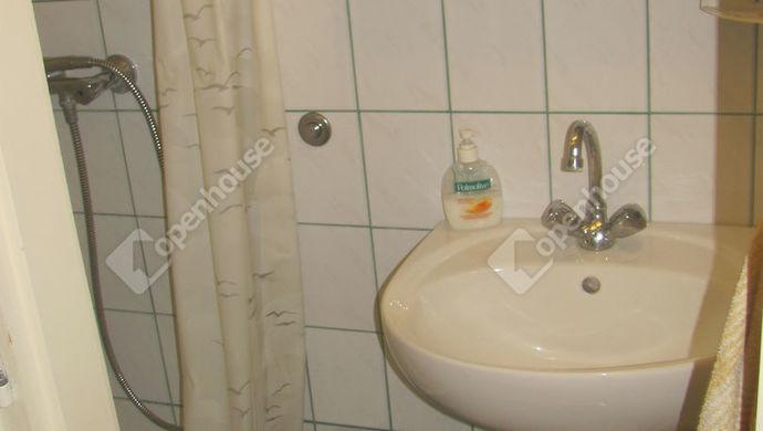 16. kép | Fürdő alsó | Eladó Családi ház, Zalaegerszeg (#138745)
