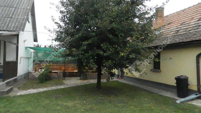 1. kép | Eladó Családi ház, Balatonszabadi (#133718)