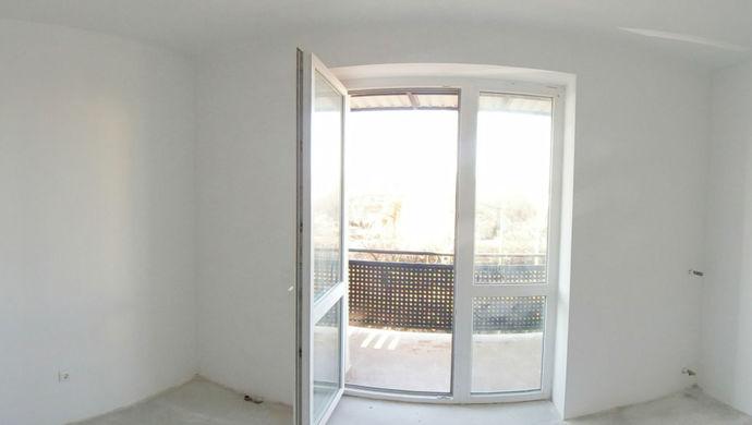 1. kép   2393 belső teraszos szoba   Eladó Társasházi lakás, Miskolc (#143568)
