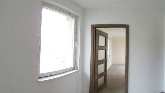 1. kép   Eladó Családi ház, Szolnok (#143700)