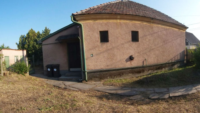 1. kép | Eladó Családi ház, Gönyű (#139559)